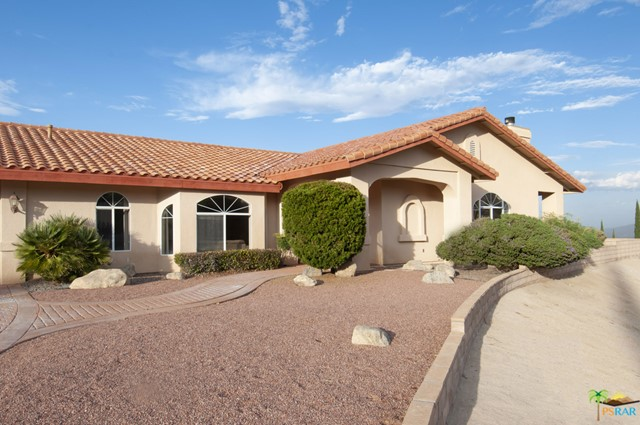 Photo of home for sale at 54014 Pinon Drive, Yucca Valley CA