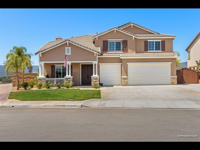 Photo of home for sale at 24125 Grafton, Murrieta CA