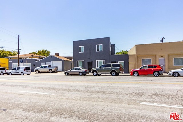 1409 W Olympic Boulevard, Montebello CA: http://media.crmls.org/mediaz/6C720348-BABA-45D1-9E8C-8DA7E4F714BD.jpg