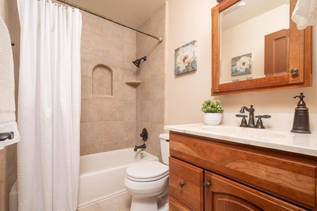 740 Craig Avenue, Campbell CA: http://media.crmls.org/mediaz/6C8E9D68-AF8C-4732-AB03-DE3532B6D36B.jpg