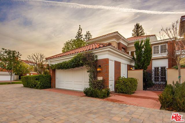 2237 CANYONBACK Road, Los Angeles CA 90049