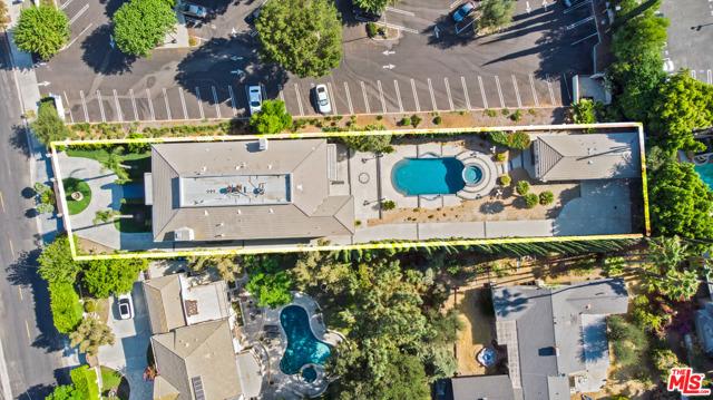 Photo of 5035 N Amestoy Avenue, Encino, CA 91316
