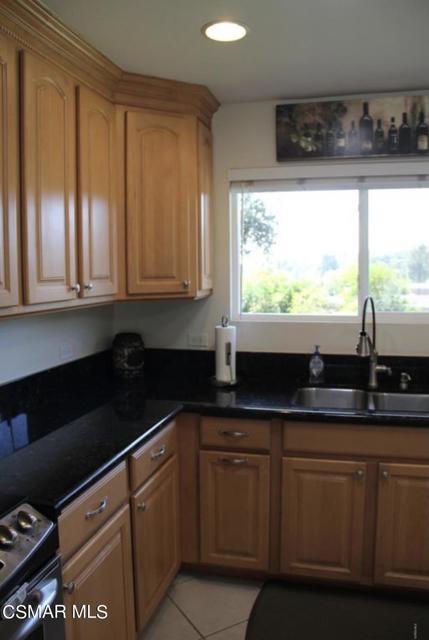 3661 Calle Quebracho, Thousand Oaks CA: http://media.crmls.org/mediaz/6CC3881C-66EB-4402-943D-C65A698F3DE9.jpg