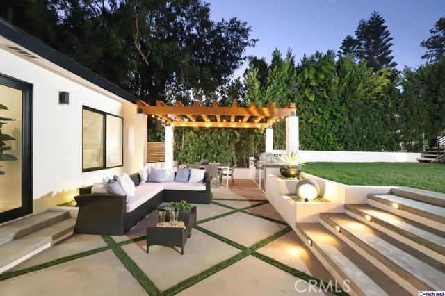 5043 Ramsdell Avenue, La Crescenta CA: http://media.crmls.org/mediaz/6CE13898-5CD6-4538-A977-F3A0F77BA704.jpg