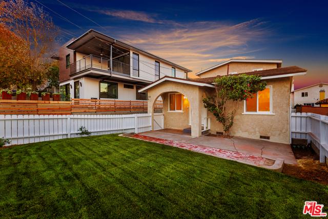 205 Lucia, Redondo Beach, California 90277, ,Residential Income,For Sale,Lucia,20609374