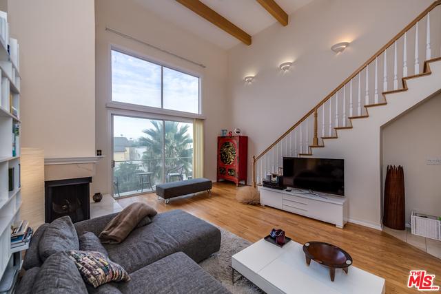 20 IRONSIDES Street 16  Marina del Rey CA 90292
