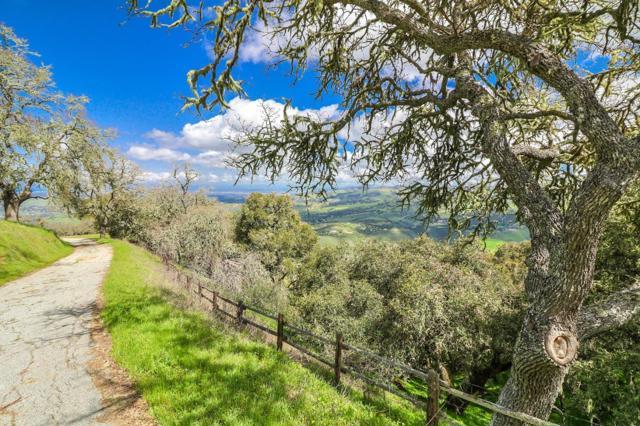 500 El Caminito Road, Carmel Valley CA: http://media.crmls.org/mediaz/6D948C42-9A5C-48D5-82F2-1CCA23F00A7D.jpg