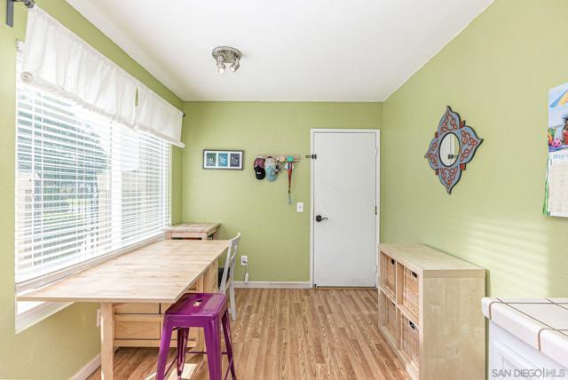 10368 New Bedford Ct, Lakeside CA: http://media.crmls.org/mediaz/6DCB4CE4-992E-4331-B99B-B9C8101DBB62.jpg