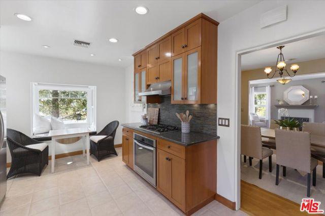 1508 N Harding Avenue, Pasadena CA: http://media.crmls.org/mediaz/6E0EDB35-9857-4771-8F83-251F9C35821C.jpg