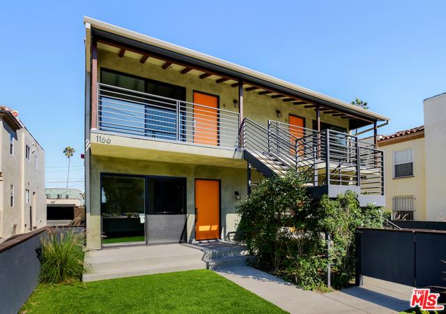 1166 S Cochran Avenue, Los Angeles CA: http://media.crmls.org/mediaz/6E123C91-1C80-4E53-AB43-5061C1159F6A.jpg
