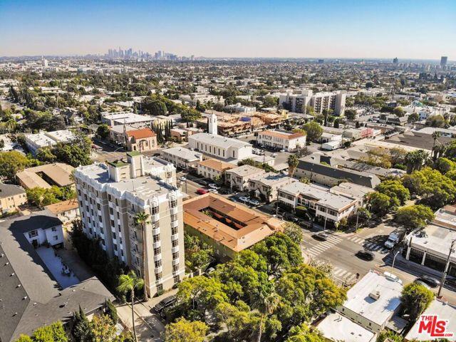 1314 N HAYWORTH Avenue, West Hollywood CA: http://media.crmls.org/mediaz/6E7E0949-54C5-4E6C-B167-8DD6EE881F61.jpg