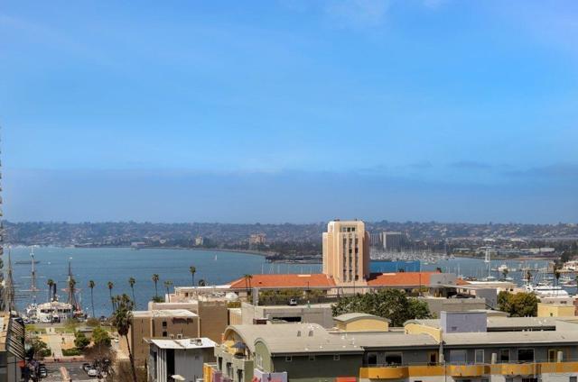 1494 Union St., San Diego CA: http://media.crmls.org/mediaz/6E9A0661-B11B-4463-B843-46E2677FA3A2.jpg