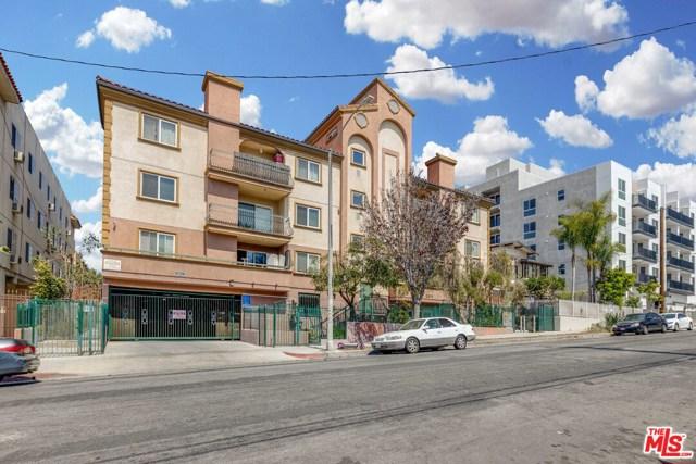 2811 Francis Avenue, Los Angeles CA: http://media.crmls.org/mediaz/6E9A5E8B-F6FA-4403-A00D-72F0278058A4.jpg