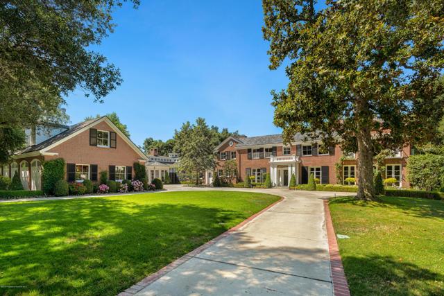 535 Meadow Grove Street, La Canada Flintridge CA: http://media.crmls.org/mediaz/6EA13A02-1CA8-406B-897C-3ADCCBD757C7.jpg