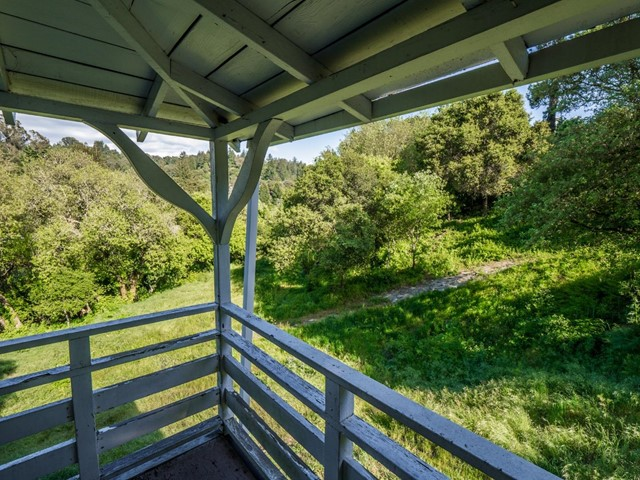58 Mount Hermon, Scotts Valley CA: http://media.crmls.org/mediaz/6EBE01A4-C38B-476C-9D3D-14EE62341E4A.jpg