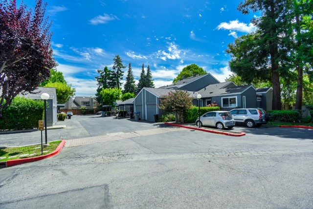 1120 Prevost Court, San Jose CA: http://media.crmls.org/mediaz/6F14DBD6-418E-4D9E-B25B-87C681C2FF18.jpg