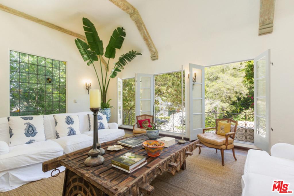 1358 SCHUYLER Road #  Beverly Hills CA 90210