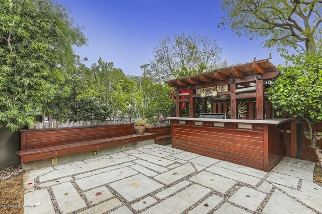 2384 Silver Lake Boulevard, Los Angeles CA: http://media.crmls.org/mediaz/6F6D76C5-CC9E-4157-ABAD-4D5C4405AA6E.jpg