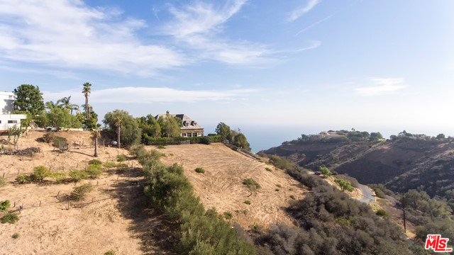 Photo of home for sale at 5801 Foxview Drive, Malibu CA