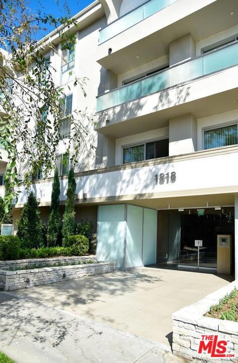 1818 THAYER Avenue, Los Angeles CA: http://media.crmls.org/mediaz/6FA7DE68-28D2-4812-91BF-3EA56A61E8AD.jpg
