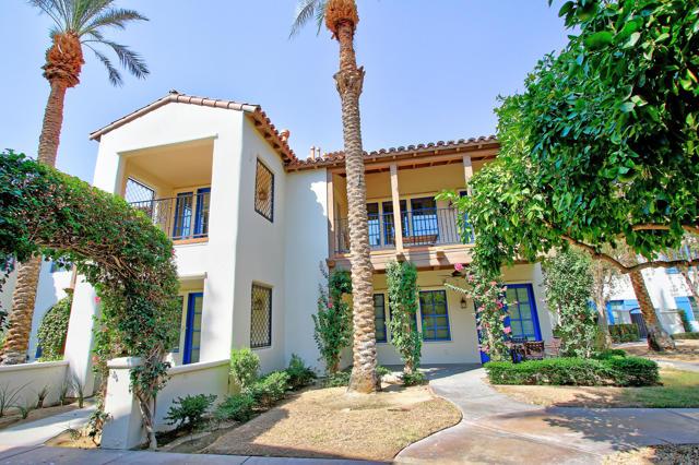 48568 Legacy, La Quinta CA: http://media.crmls.org/mediaz/705D12A3-1A6E-443A-95E9-4773B3717E7E.jpg