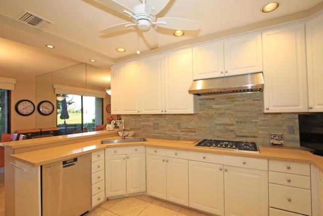 743 Inverness Drive, Rancho Mirage CA: http://media.crmls.org/mediaz/70F3CF1C-5299-4AF5-A995-87ED7C01E2C4.jpg