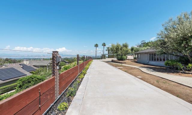 125 Alerche Drive, Los Gatos CA: http://media.crmls.org/mediaz/7111E80A-AE77-4ED3-BBD7-22B6E1EC17EA.jpg