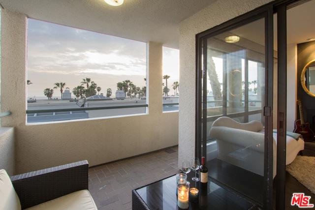 130 Ocean Park Boulevard, Santa Monica CA: http://media.crmls.org/mediaz/71245A3F-D2C1-4951-9AA0-5CDCECC6288B.jpg