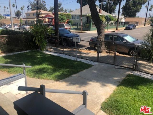 3520 E 6Th Street, Los Angeles CA: http://media.crmls.org/mediaz/7145281C-8176-4B51-8D58-7D581F1038F7.jpg