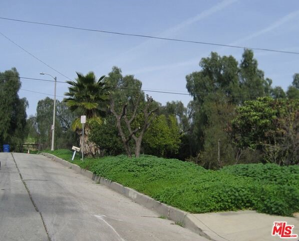 Single Family Home for Sale at 3900 Pueblo Avenue Los Angeles, California 90032 United States
