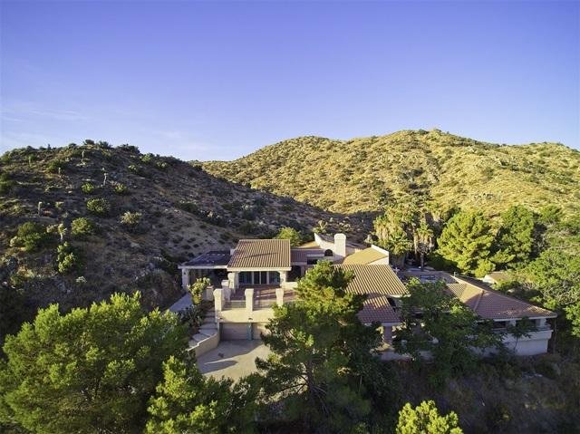 8585 Great House, Yucca Valley CA: http://media.crmls.org/mediaz/718A9B2E-BF8F-40B6-AB96-BA3F5C5366A6.jpg