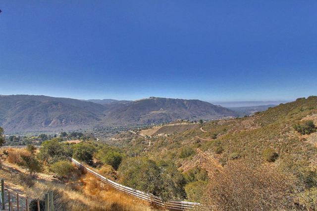 300 Country Club, Carmel Valley CA: http://media.crmls.org/mediaz/71A8BE1D-2CF5-4A0C-B657-5331820BEE52.jpg