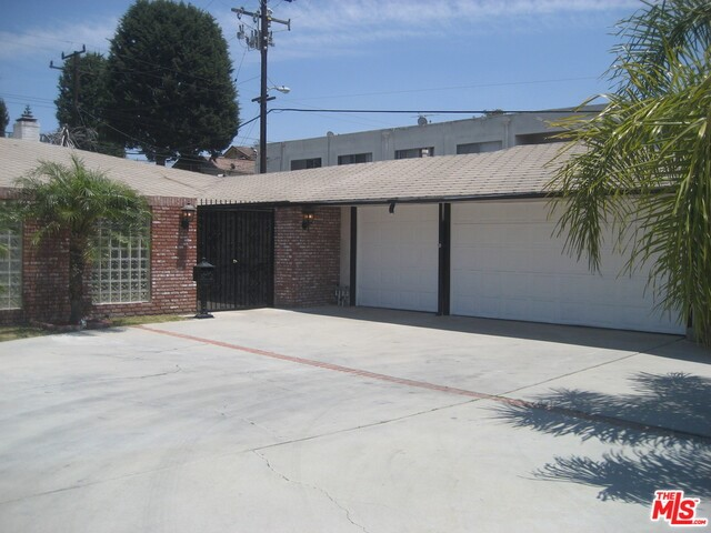 Single Family Home for Sale at 6536 SPRINGPARK Avenue Los Angeles, California 90056 United States