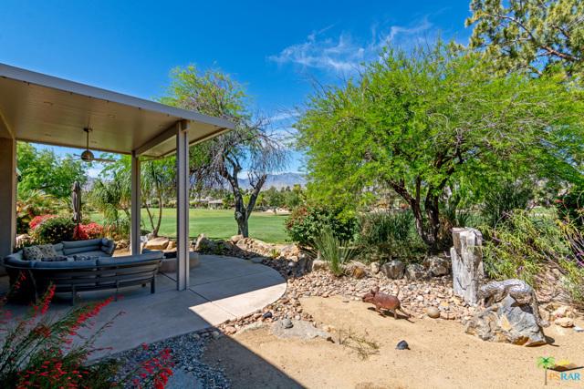 15 Birkdale Circle, Rancho Mirage CA: http://media.crmls.org/mediaz/71E2F080-9973-4082-9603-DD5FC050D9D2.jpg