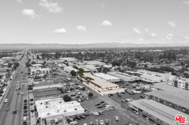 18521 Prairie Street, Northridge CA: http://media.crmls.org/mediaz/723AD908-248B-4D4E-9F1C-96C679EDB768.jpg