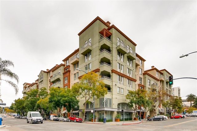 Photo of home for sale at 1501 Front St, San Diego CA