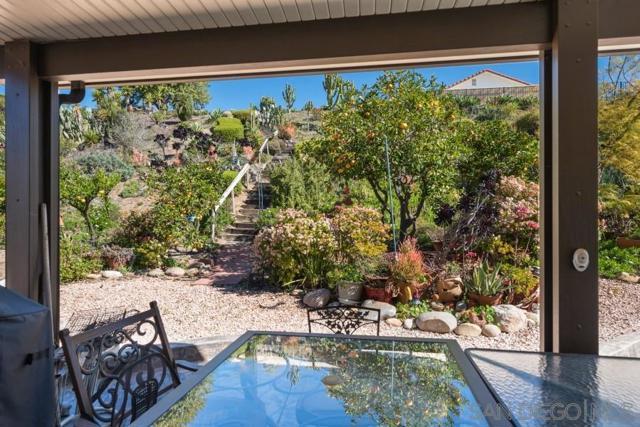 17623 Fonticello Way, San Diego CA: http://media.crmls.org/mediaz/73413D81-E811-48C2-A407-4B5BCD08834D.jpg