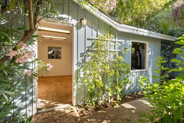 4221 Wilkie Way, Palo Alto CA: http://media.crmls.org/mediaz/73674FC2-7224-4C36-AA4E-8B14CAFBCCE5.jpg