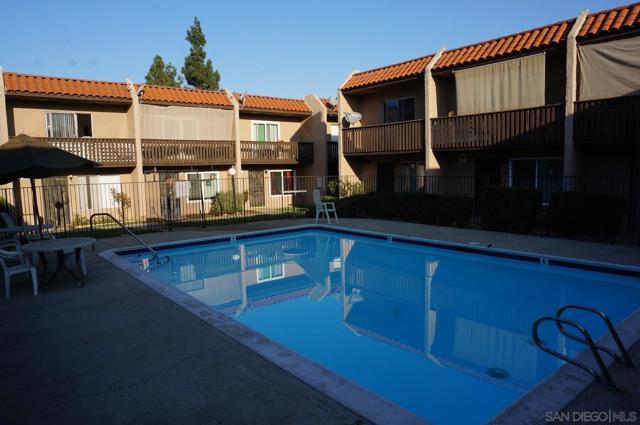 268 Roanoke, El Cajon CA: http://media.crmls.org/mediaz/738A1483-3B45-48E0-81C2-3DA4AB6DBD13.jpg
