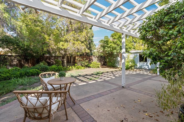 4221 Wilkie Way, Palo Alto CA: http://media.crmls.org/mediaz/73973DF0-262D-4F50-BC79-4D064C5D1246.jpg