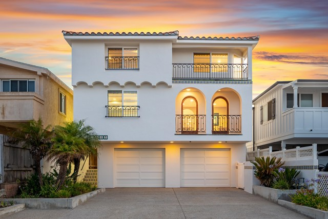 Photo of 817 Ocean Drive, Oxnard, CA 93035