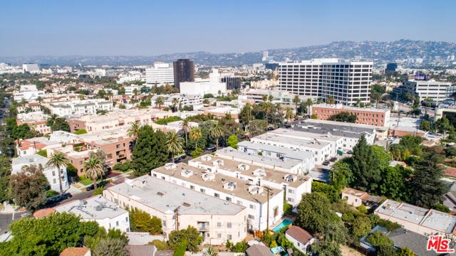 234 S Tower Drive, Beverly Hills CA: http://media.crmls.org/mediaz/743465A4-3ADA-4D52-8657-AB04CCF02C71.jpg
