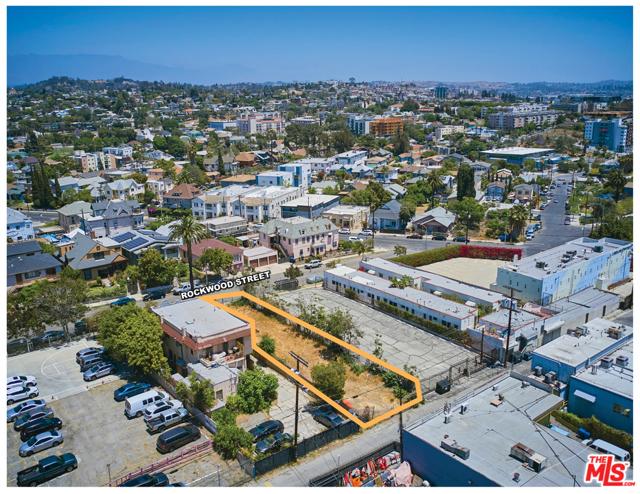 1622 Rockwood Street, Los Angeles CA: http://media.crmls.org/mediaz/743F2268-08F8-48BA-ACB6-39B971921384.jpg