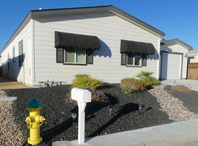 73230 Adobe Springs Drive, Palm Desert CA: http://media.crmls.org/mediaz/7457751D-0EC2-4038-93D1-CE1B064E8ACA.jpg