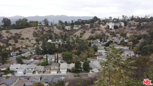 919 Rome Drive, Los Angeles CA: http://media.crmls.org/mediaz/745CEC5E-B8C6-4143-98BF-031C662F3A63.jpg