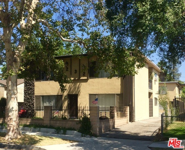 232 W LINDEN Avenue Burbank, CA 91502 is listed for sale as MLS Listing 16153520