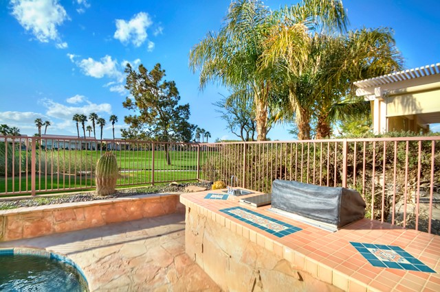 37647 Westridge Avenue, Palm Desert CA: http://media.crmls.org/mediaz/753153B5-29D5-4414-9A64-9A7841E08CE1.jpg