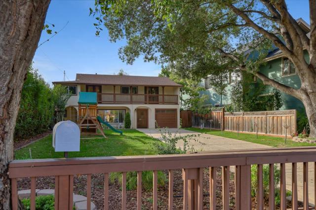 15631 Loma Vista Avenue, Los Gatos CA: http://media.crmls.org/mediaz/755FBE61-EEF7-499D-9C2B-B367000EA6C1.jpg