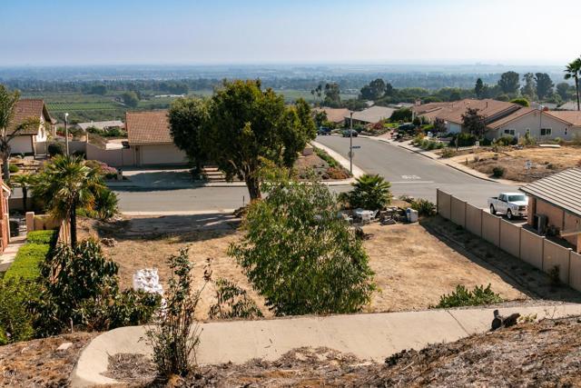 894 High Point Drive, Ventura CA: http://media.crmls.org/mediaz/75DF6C04-A87A-4102-8A80-190A782DAE6A.jpg