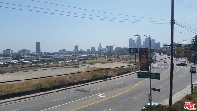 Single Family Home for Sale at 1425 Broadway N Los Angeles, California 90012 United States